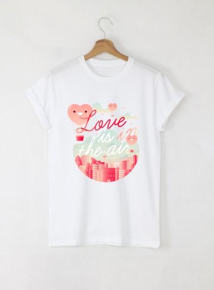Love is in the Air Дамска бяла тениска с дизайнерски принт