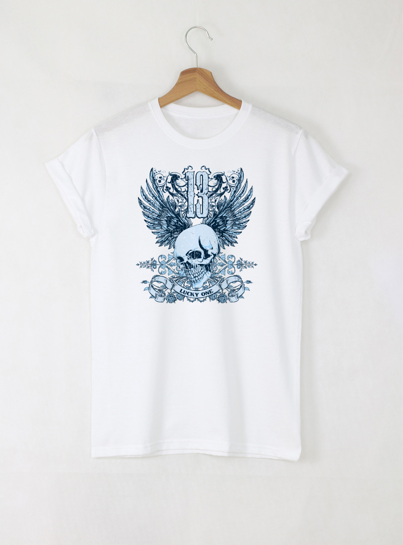 Skull Lucky One Blue мъжка бяла тениска с дизайнерски принт