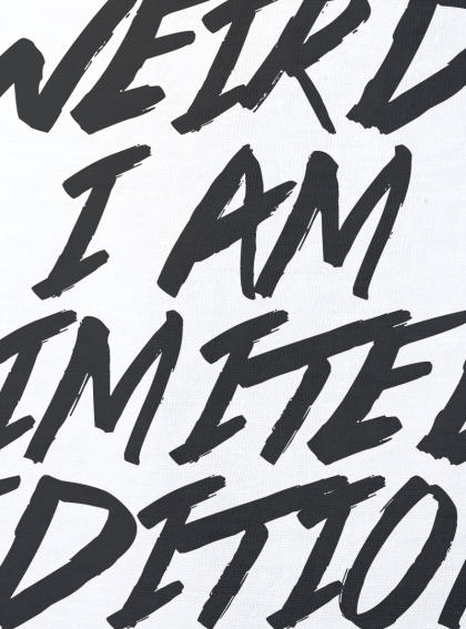 I am limited edition детска бяла тениска за момче с дизайнерски принт