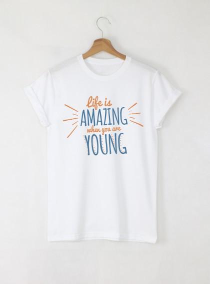 Life Is Amazing Дамска бяла тениска с дизайнерски принт